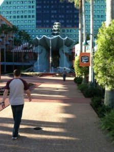 Matt Thompson walking into the Swan Hotel for a Day of Seminars (Brad Hooser)